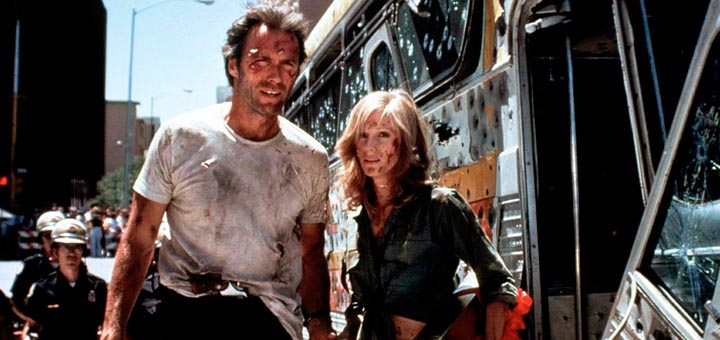 Clint-Eastwood-Sondra-Locke-Gauntlet-1977.jpg