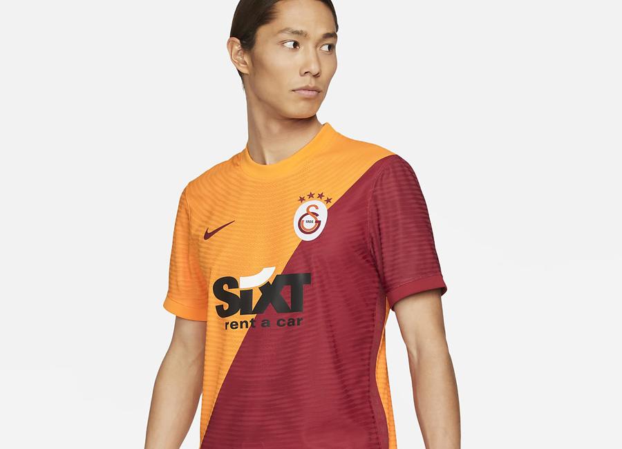 galatasaray_2021_2022_home_shirt.jpg