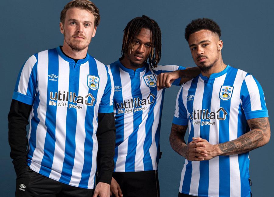 huddersfield_town_2021_2022_home_shirt.jpg