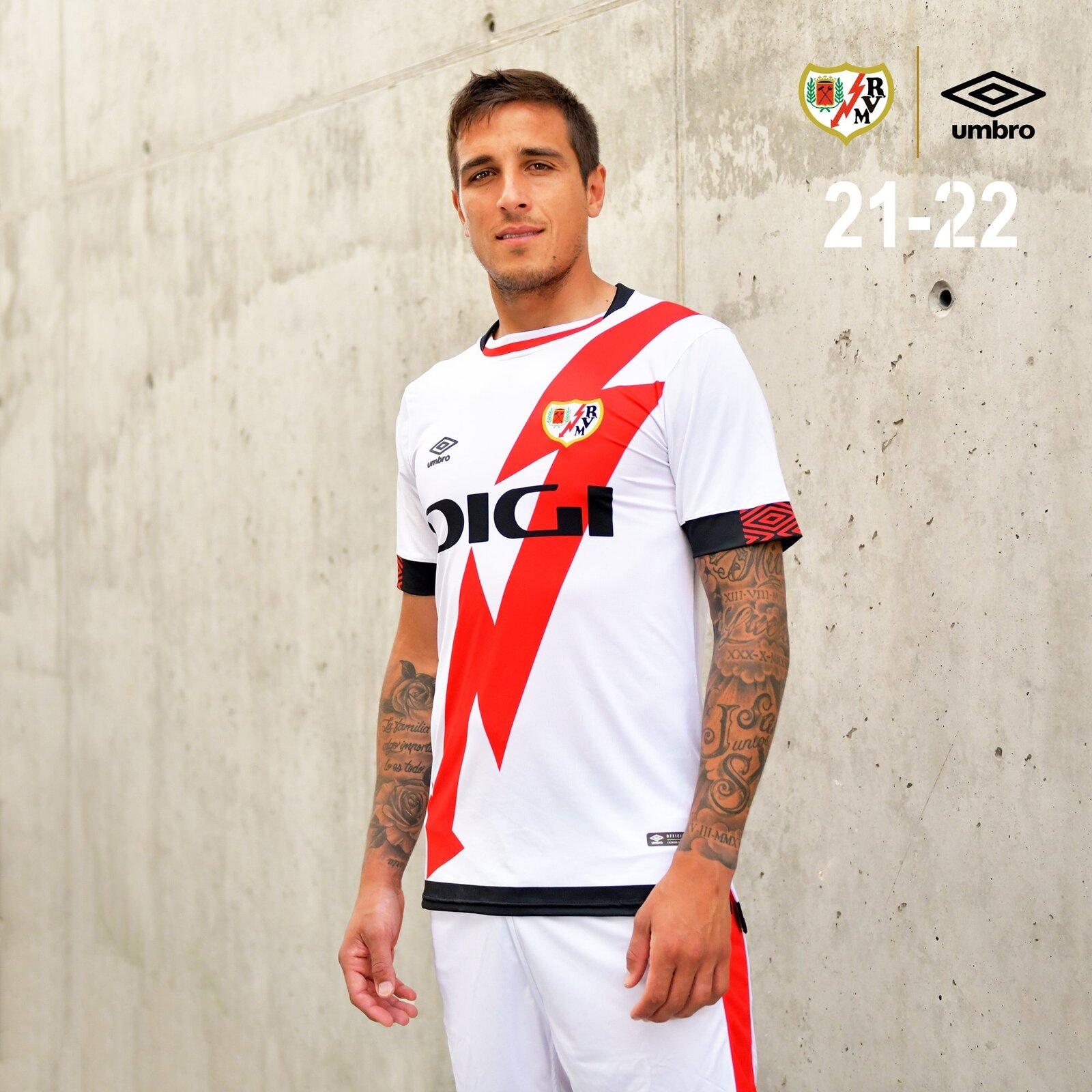 rayo_vallecano_2021_2022_shirts_a.jpeg