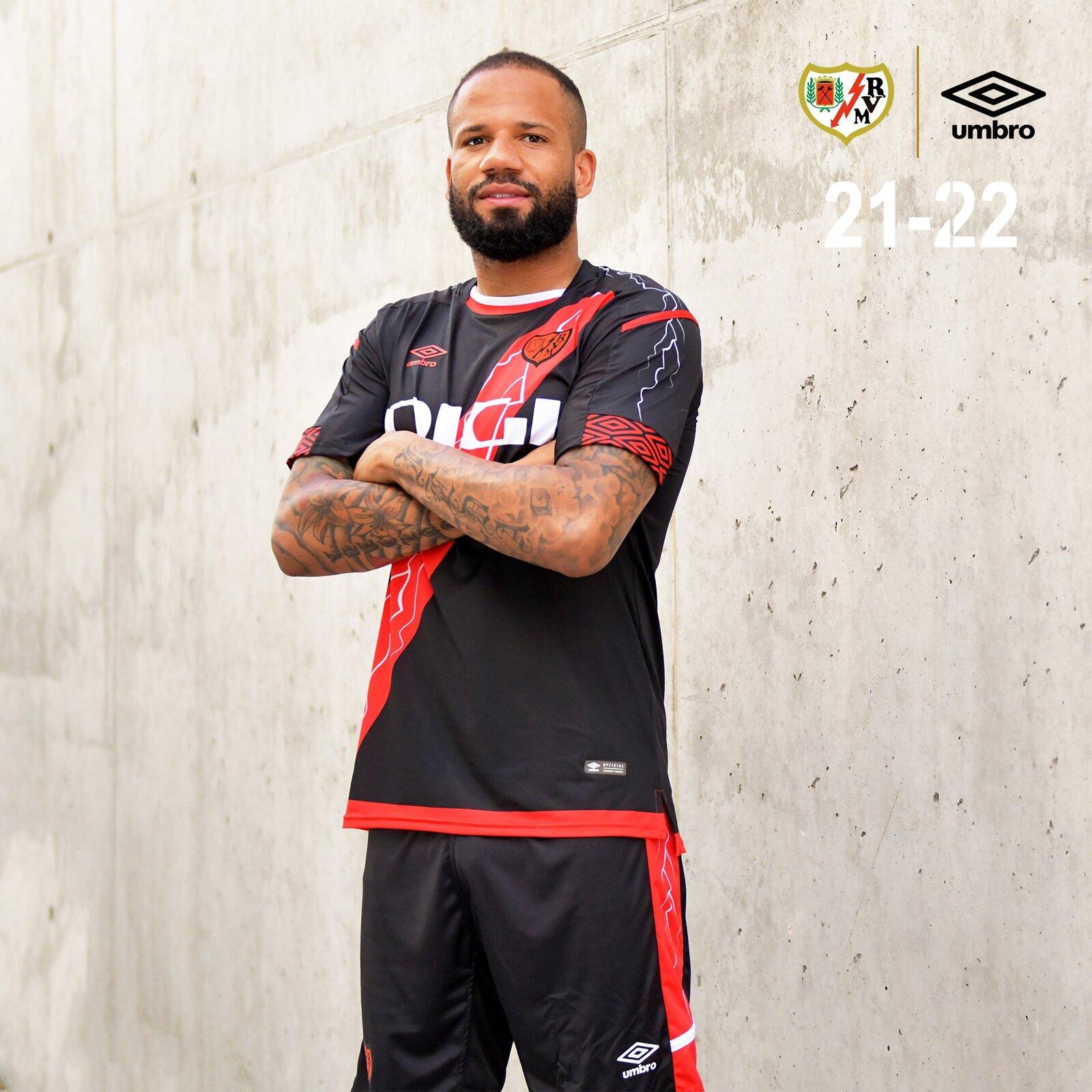 rayo_vallecano_2021_2022_shirts_c.jpeg