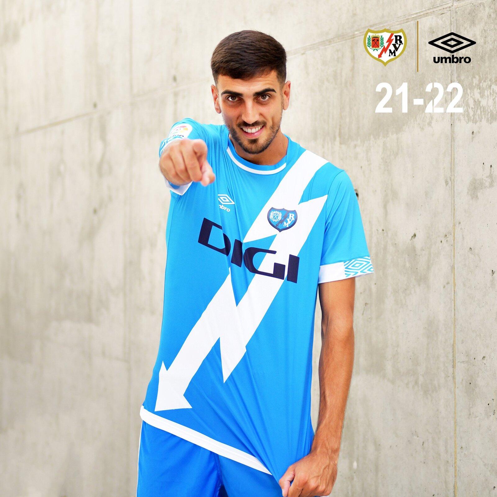 rayo_vallecano_2021_2022_shirts_e.jpeg