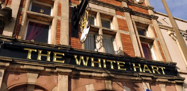 the-white-hart-pub-503036582.jpg