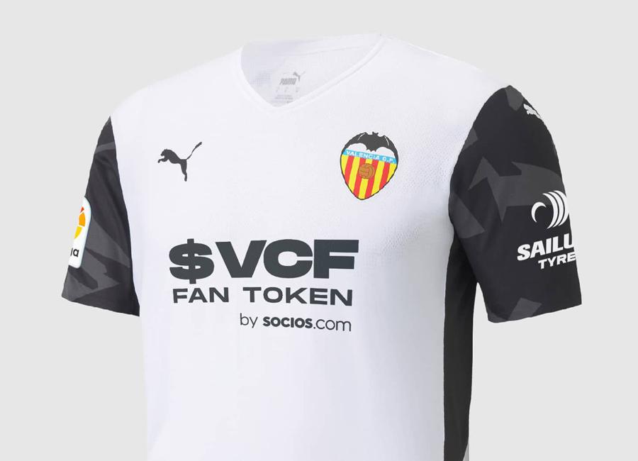 valencia_2021_2022_puma_home_kit.jpg